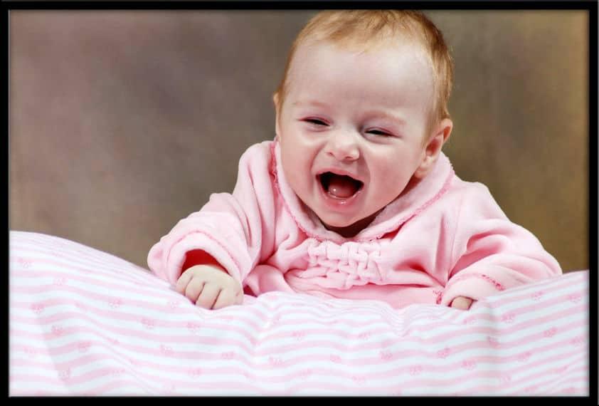 Newborn babies posing classes