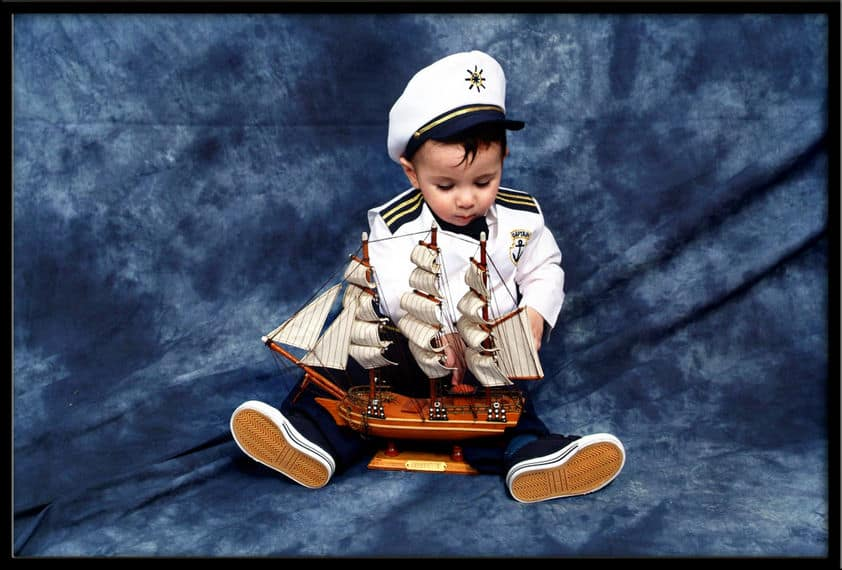 Outstanding Costumes Examples Of Family Photographs