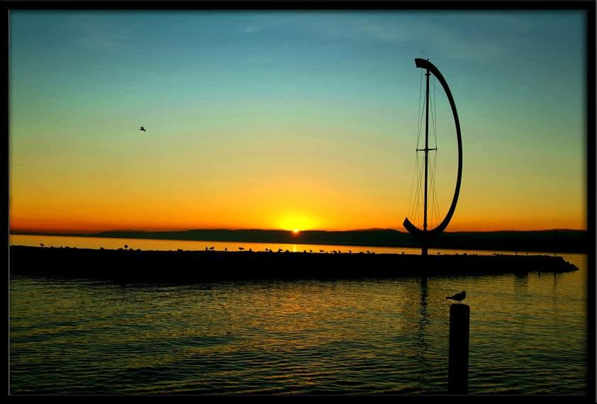Coast line of the sun set colors